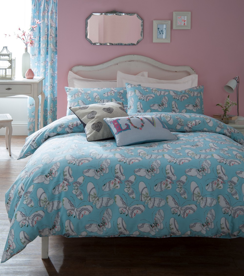 light pastel blue and white butterfly pattern single double king duvet cover set ebay. Black Bedroom Furniture Sets. Home Design Ideas