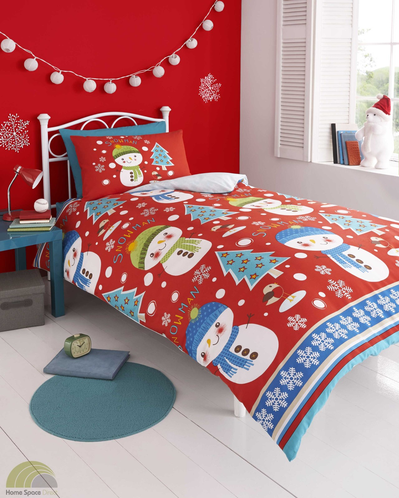 Sleep safe and sound in Pottery Barn Kids' Christmas bedding for kids and babies. Bright colors and seasonal characters make these bed sets holiday staples.